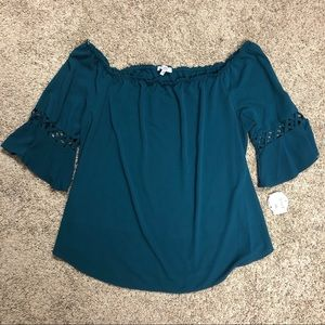 NWT Moa Moa off the shoulder shirt with detail 3x